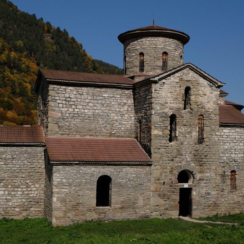 Нижний Архыз Средний храм (1)