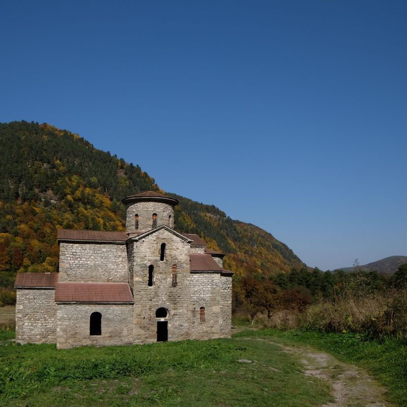 Нижний Архыз Средний храм (2)