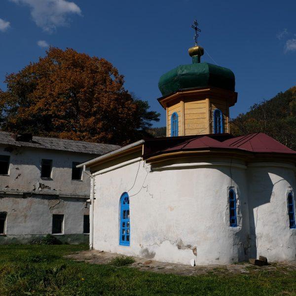 Нижний Архыз Южный храм (1)