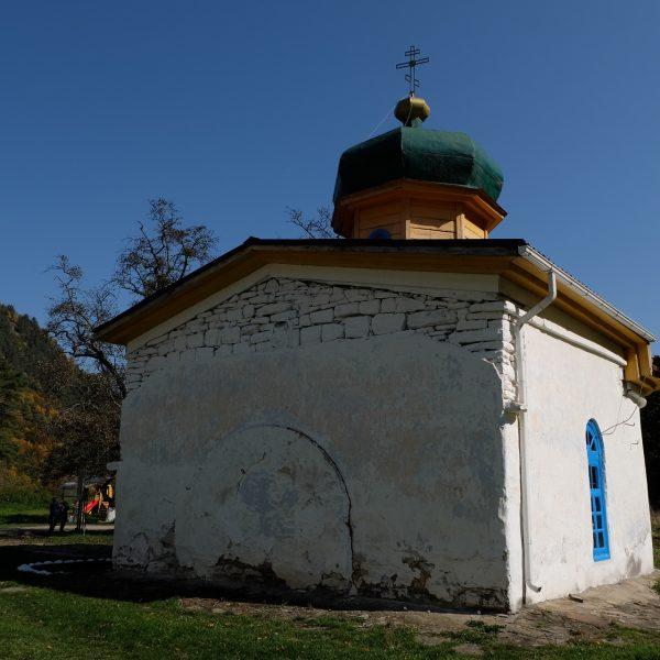 Нижний Архыз Южный храм (3)