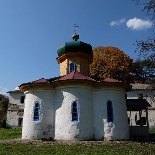 Нижний Архыз Южный храм (4)