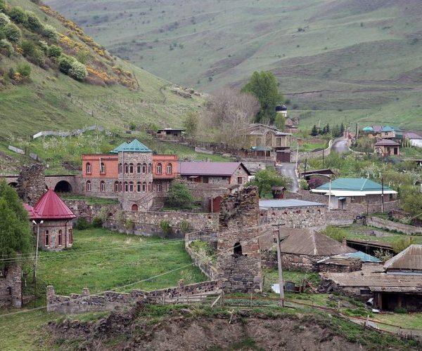 Северная Осетия Алания. Поселок Горная Саниба